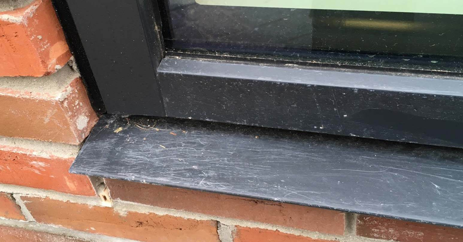 Metal window frame - Before repair