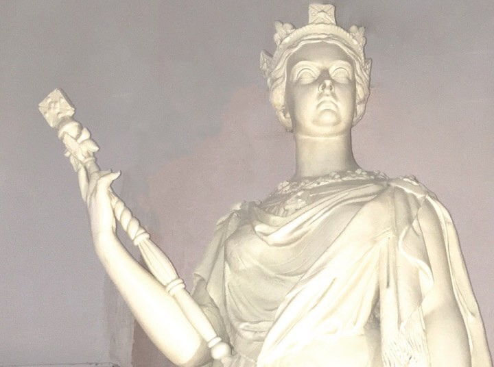 Complete restoration of Queen Victoria Statue at Aberdeen Music Hall