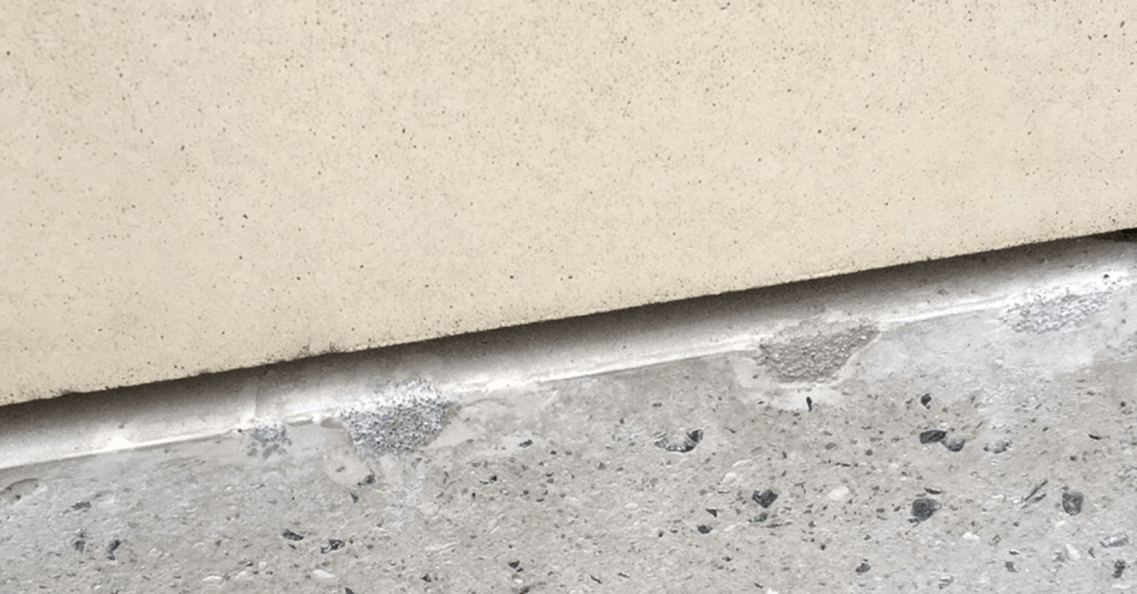 Chipped pillar stone - Before repair